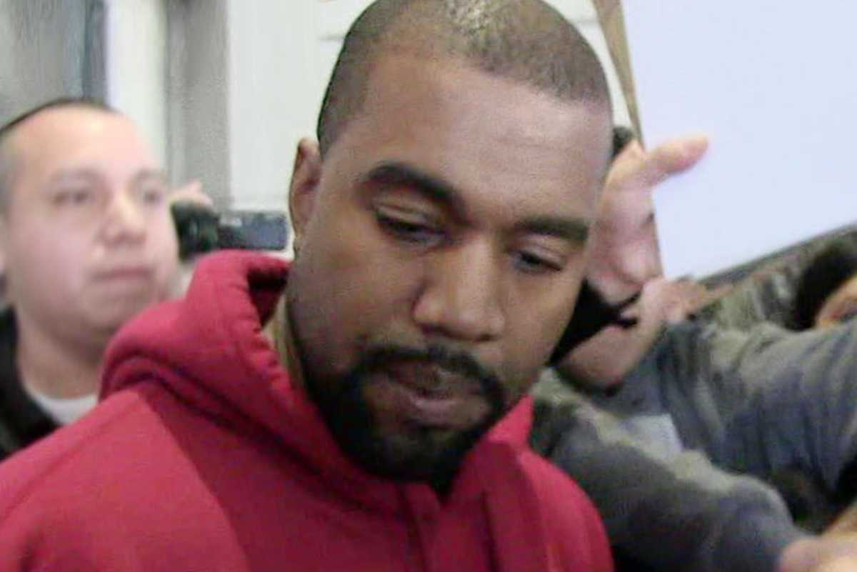 Kanye West Still Hospitalized for Thanksgiving; He's Mentally Unstable