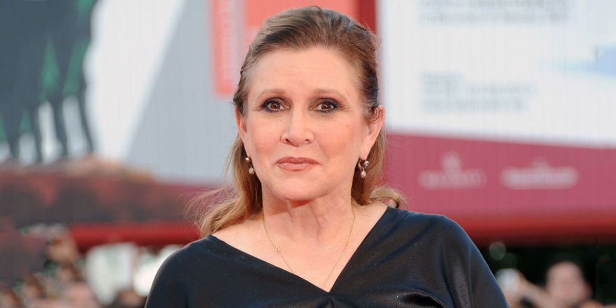 Carrie Fisher Suffers Massive Heart Attack