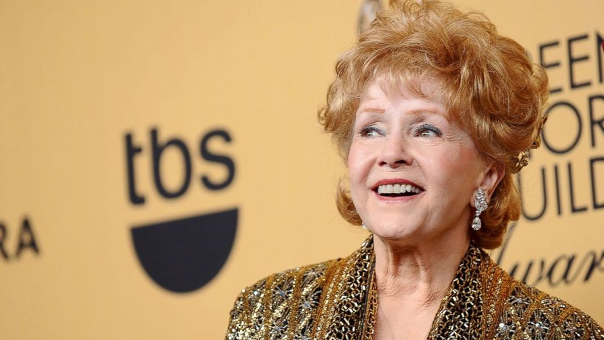 Debbie Reynolds Dies After Death of Daughter Carrie Fisher
