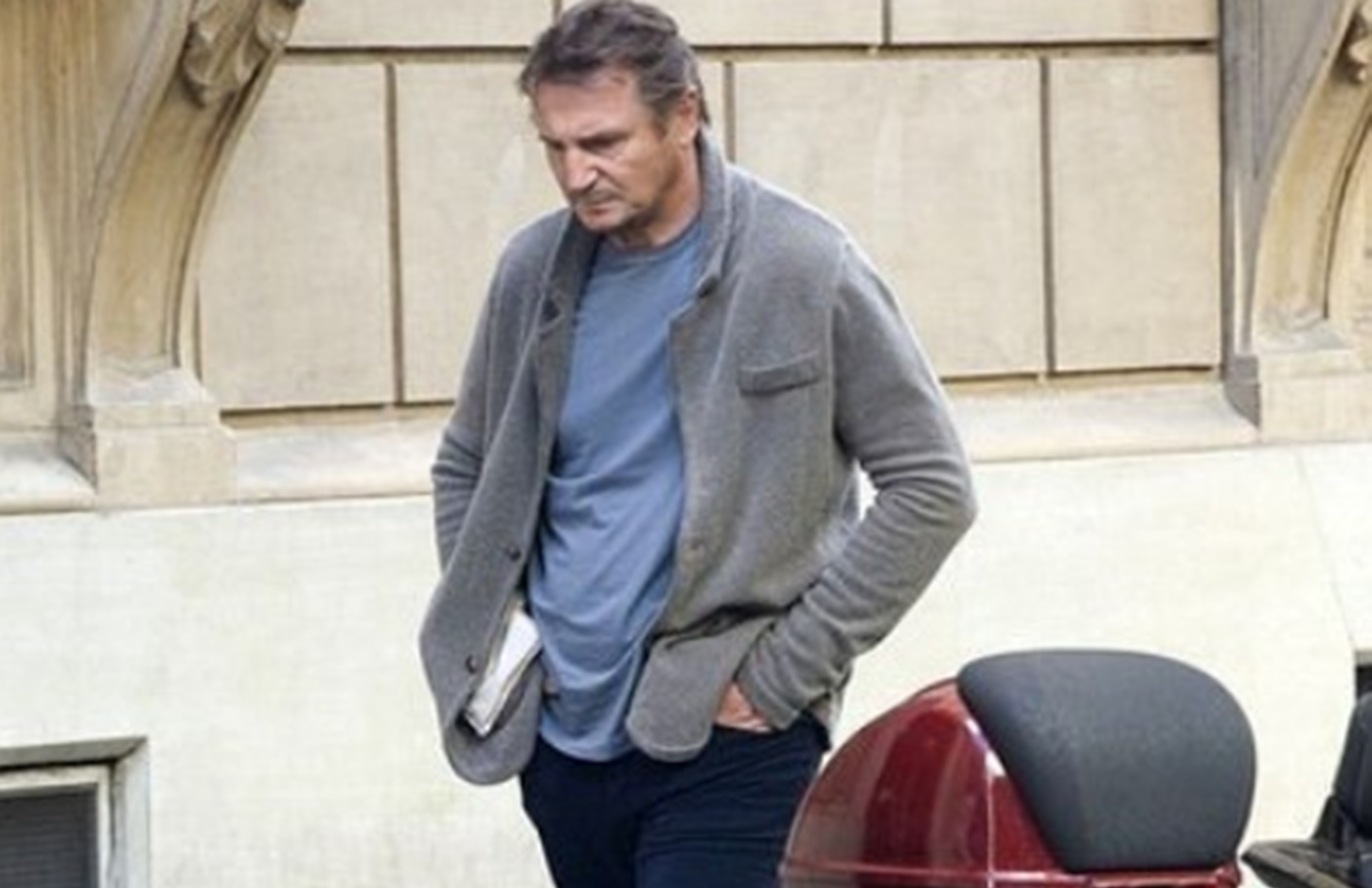 Liam Neeson Undergoing Shoulder Surgery