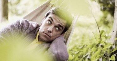 Robbie Williams Can't Sleep; He Struggles with Insomnia