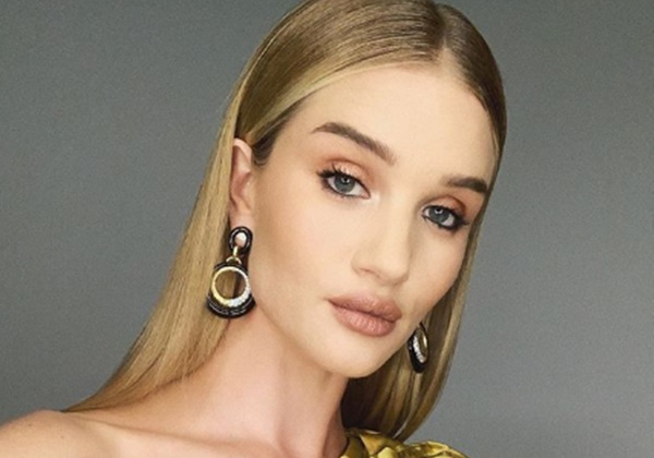 Rosie Huntington-Whiteley Cuts Dairy from Diet