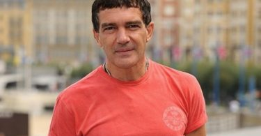 Antonio Banderas Announces He's Tests Positive for COVID-19