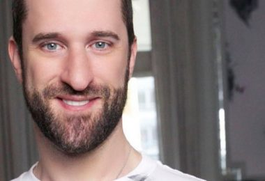 """Saved by the Bell"" Star Dustin Diamond Dead at 44"
